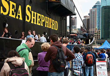 news_091013_1_5_Sea_Shepherd_Receives_Support_in_Sydney